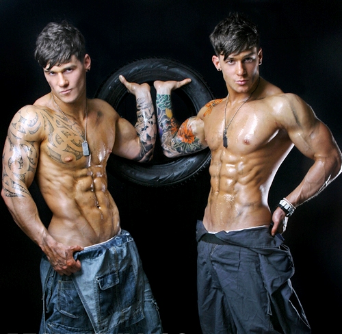 owen-and-lewis-harrison-twins-1-6